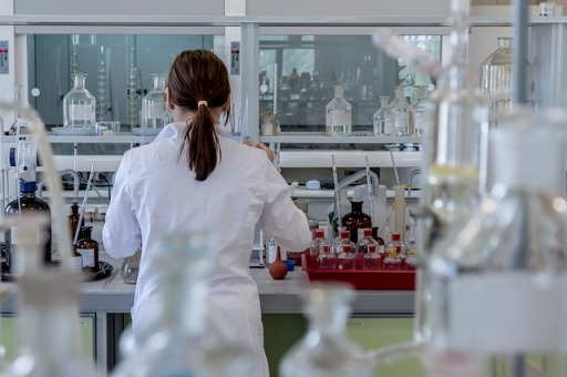 laboratory-2815641_640.jpg